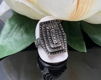 Die Cast Rectangular Ring Black 1 1//4 x 5//8 ID 14866-13