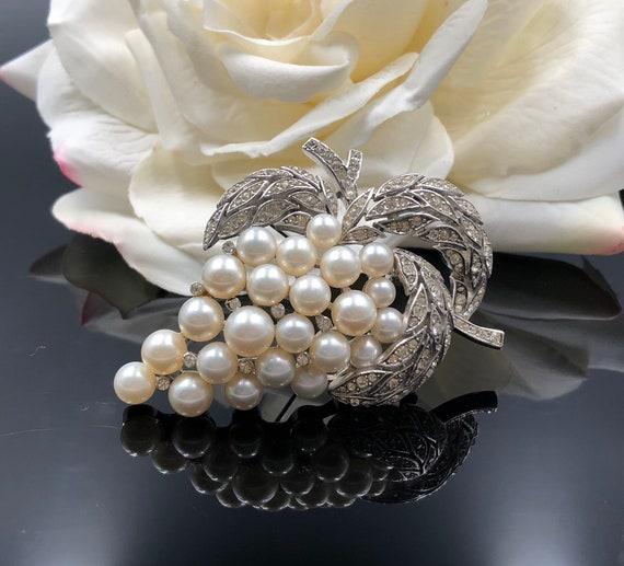 Majorica Pearl Pin, Pearl Grape Cluster, Pearl Gra