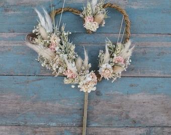 Pampas Prairie Blush Dried Flower Willow Heart Cake Topper