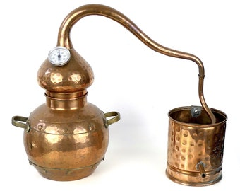 Hammered copper and brass alembic and thermometer, apothecary instrument - Retro decoration - Collector's item