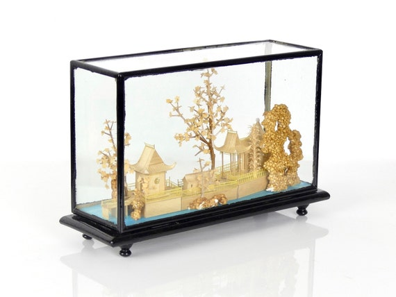 Vintage Chinese diorama balsa finely carved in its glass and brown  lacquered wood showcase - Chinese shadow box - Early 20th - Retro decor