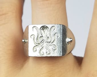 Octopus signet ring