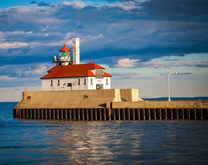 LIGHTHOUSE AT DULUTH