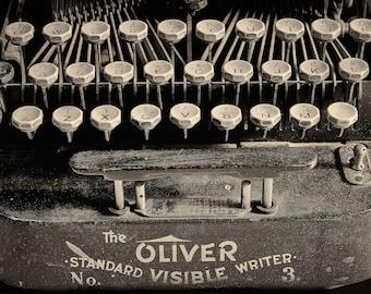 m| OLIVER STANDARD WRITER