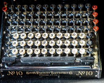 SMITH TYPEWRITER NO. 10 | photograph