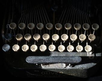 m| OLIVER WRITER