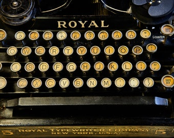 ROYAL TYPEWRITER NO. 5 | photograph