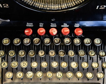 REMINGTON TYPEWRITER NO. 12 | photograph