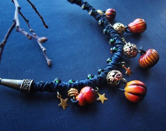 Short braided necklace with pumpkins and stars, choker, ethnic style, boho jewelry, witch style, Wicca