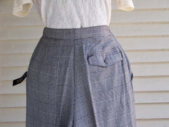 1980s Black & Ivory Houndstooth Plaid Pleated-Fro… - image 7