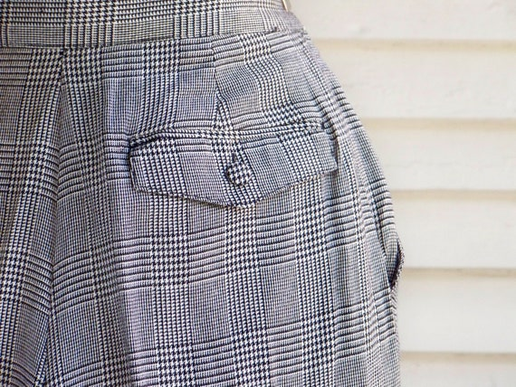 1980s Black & Ivory Houndstooth Plaid Pleated-Fro… - image 8