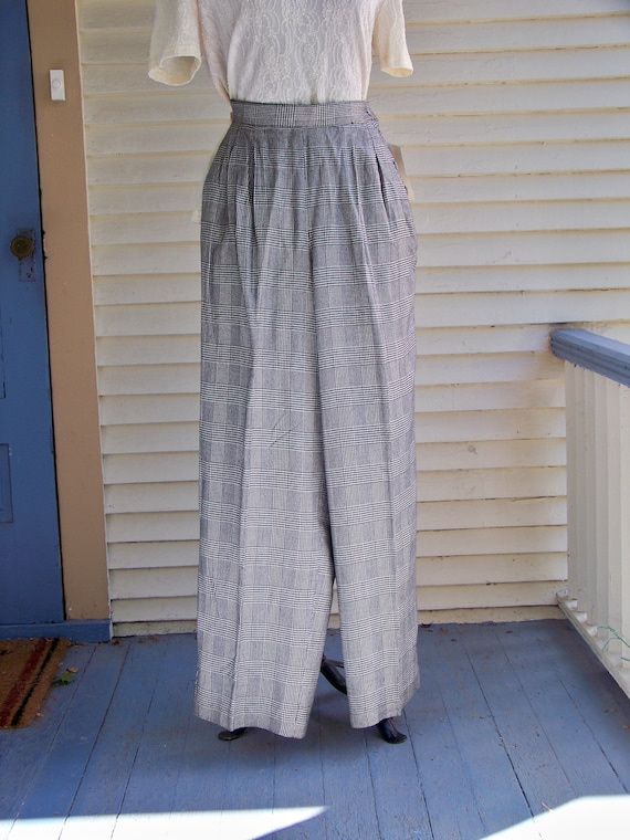 1980s Black & Ivory Houndstooth Plaid Pleated-Fro… - image 2