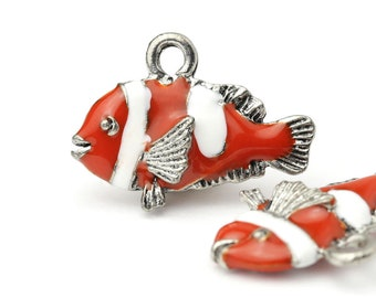 GRAPHICS /& MORE Ocean Coral Reef Angel Clown Fish Diving Silver Plated Bracelet with Antiqued Charm