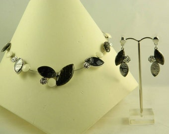 Beautiful silver necklace with black lace leaf earring set