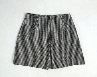 1960s Black and White Checkered Wool Skort // Cute Pleated Skort // Schoolgirl Skirt // Size Small