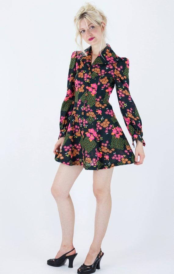 1970s Floral Puff Sleeve Mini Dress - image 4