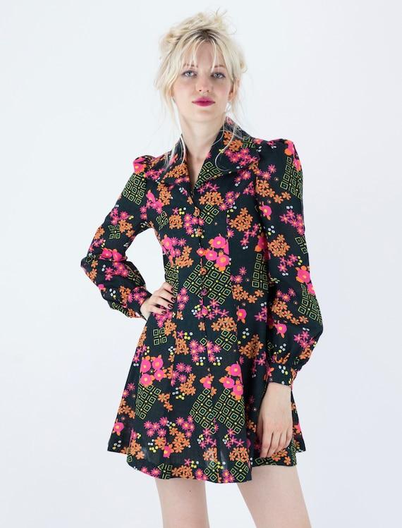 1970s Floral Puff Sleeve Mini Dress - image 8