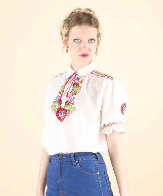 1970's Embroidered Floral Puff Sleeve Hungarian Pe