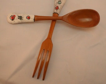 Vintage ceramic/wood serving utensils