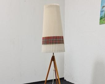 Vintage 50s tripod lamp