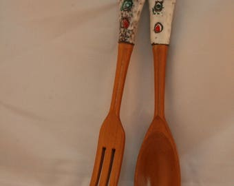 Vintage ceramic/wood serving utensils