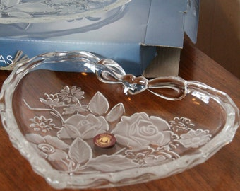 Vintage glass heartdish by Walther Glas