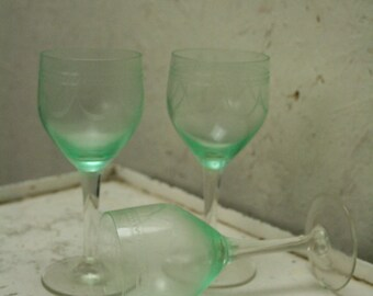 Three Vintage uranium/Vaseline  glasses