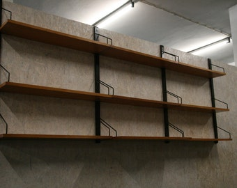 Vintage shelving By Poul Codovius for royal systems