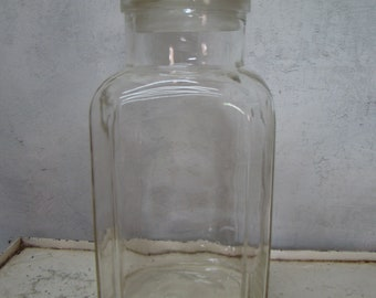 Large vintage Clear Glass Apothecary Jar, Storage Jar, cookie jar