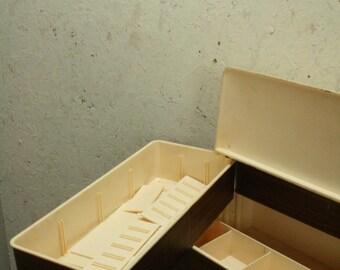 70s plastic sewing box/basket