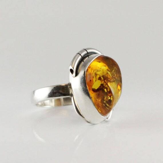 Amber Baltic Ring Vintage Genuine Massive 7.91 Gr Egg Yolk Color Silver 925 Adjustable