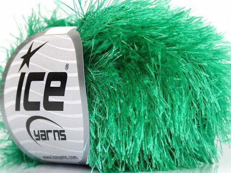 Fiber Art Bright Green Fun Fur Bright Emerald Green Eyelash Ice Yarn Long Fancy Yarn Novelty Yarn 50641
