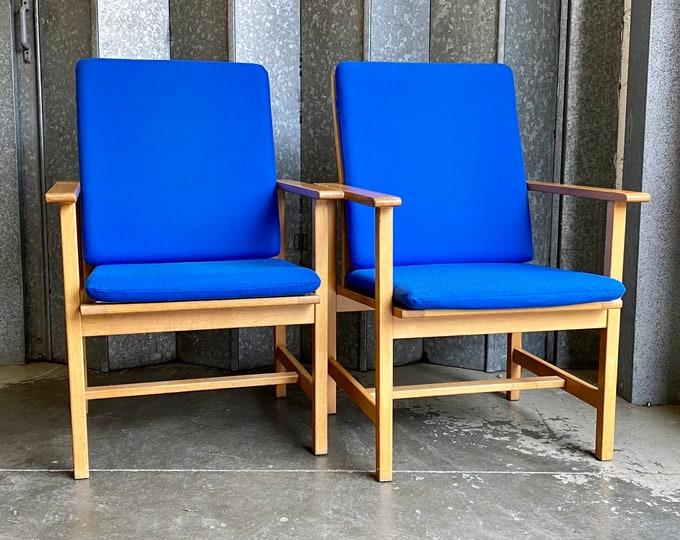 Vintage pair of  Børge Mogensen Fredericia Stolefabrik 2257 Oak chairs