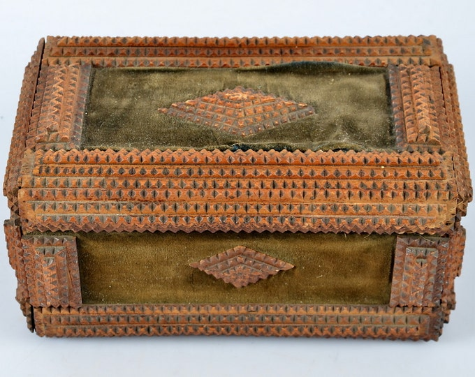 Late Nineteenth century Tramp art folk Swedish trinket box with green velvet detail