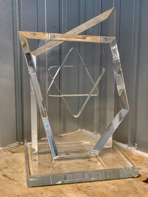 Hollywood regency Modernist Hivo Van Teal lucite perspex abstract form, signed in corner, 51cm H.