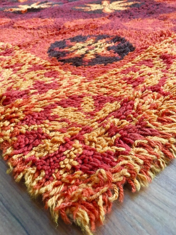 Vintage Swedish ryamatta shagpile rug in 100% wool