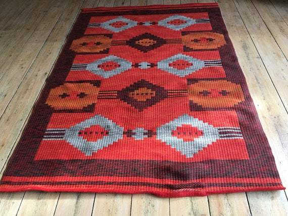 Vintage Swedish flat weave kelim rolakan wool red rug in reversible colours 201 x 138 cm