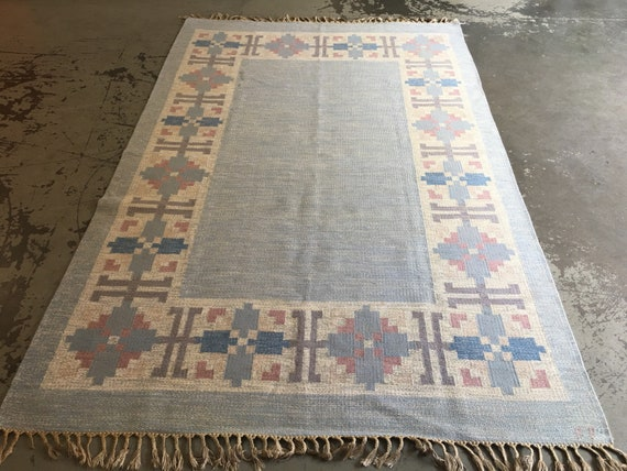 Vintage Swedish rolakan flatweave wool rug circa 1950's woven initials by Fredrik Fiedler for Klostergarden 300 x 195 cm