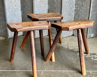Trio of English vernacular Sheffield cutlers stools in Elm and Ash circa early 19th century