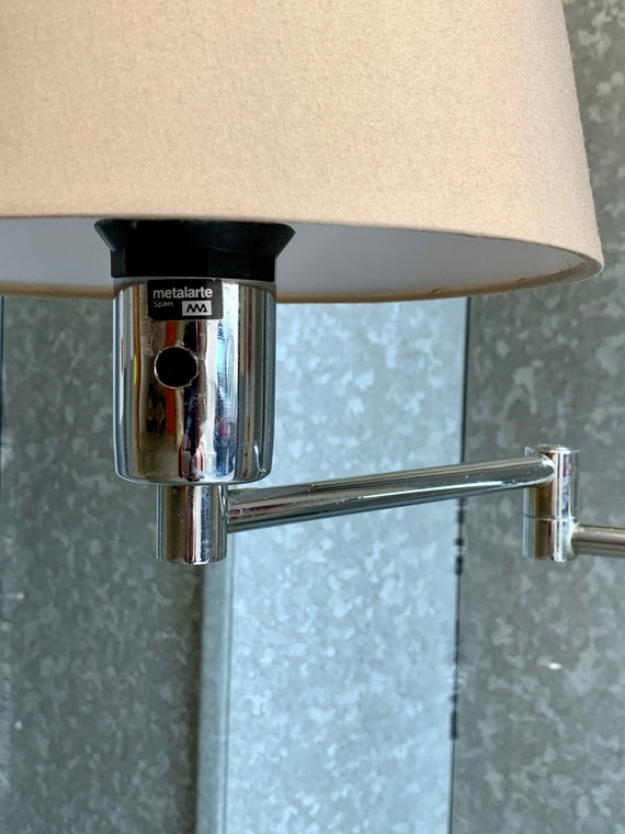 Metalarte articulated chrome floor lamp by George Hansen made in Spain