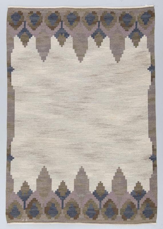 "Vintage Swedish rolakan flat weave Kelim by Judith Johansson signed JJ design called ""NORRVIKEN"". Size 282 x 191 cm"