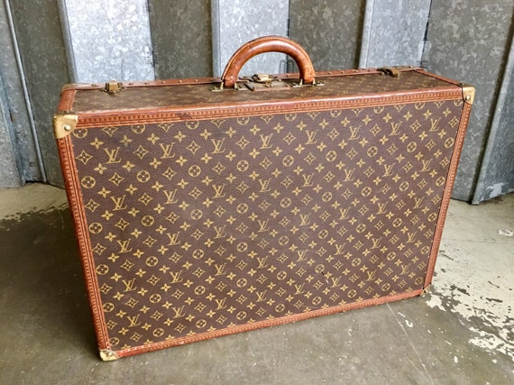Early 20th century Louis Vuitton large suitcase