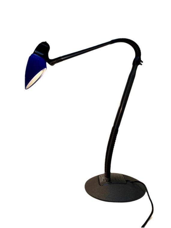 Vintage Arteluce Tango Flos desk light designed by Stephan Copeland circa 1999.