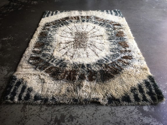 Vintage Swedish woollen ryamatta shagpile rug circa 1960's in browns and creams 193 x 136cm
