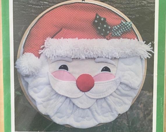 Jolly Santa Wall Hanging Pattern