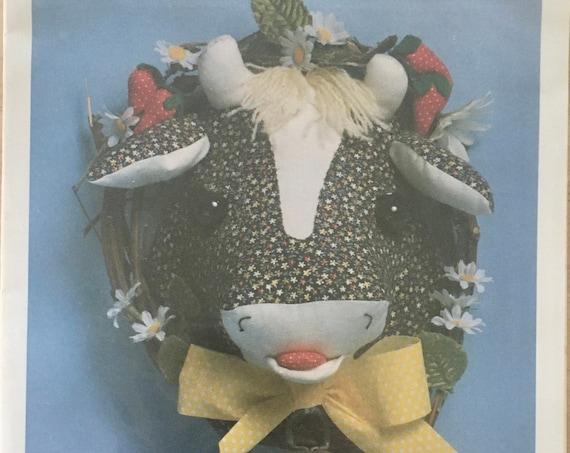 "Sweet Eyes 8"" Cow Head Door Decoration Pattern"