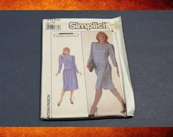 Sewing Pattern - Vintage Simplicity Pattern 8850 Women Dress. circa 1988.  Size 16. #PAT-070