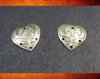 Embellishments - Set of 2 Metal Heart Ornaments for leatherwork, jewelry, or embellishing.  #CRAFT-024