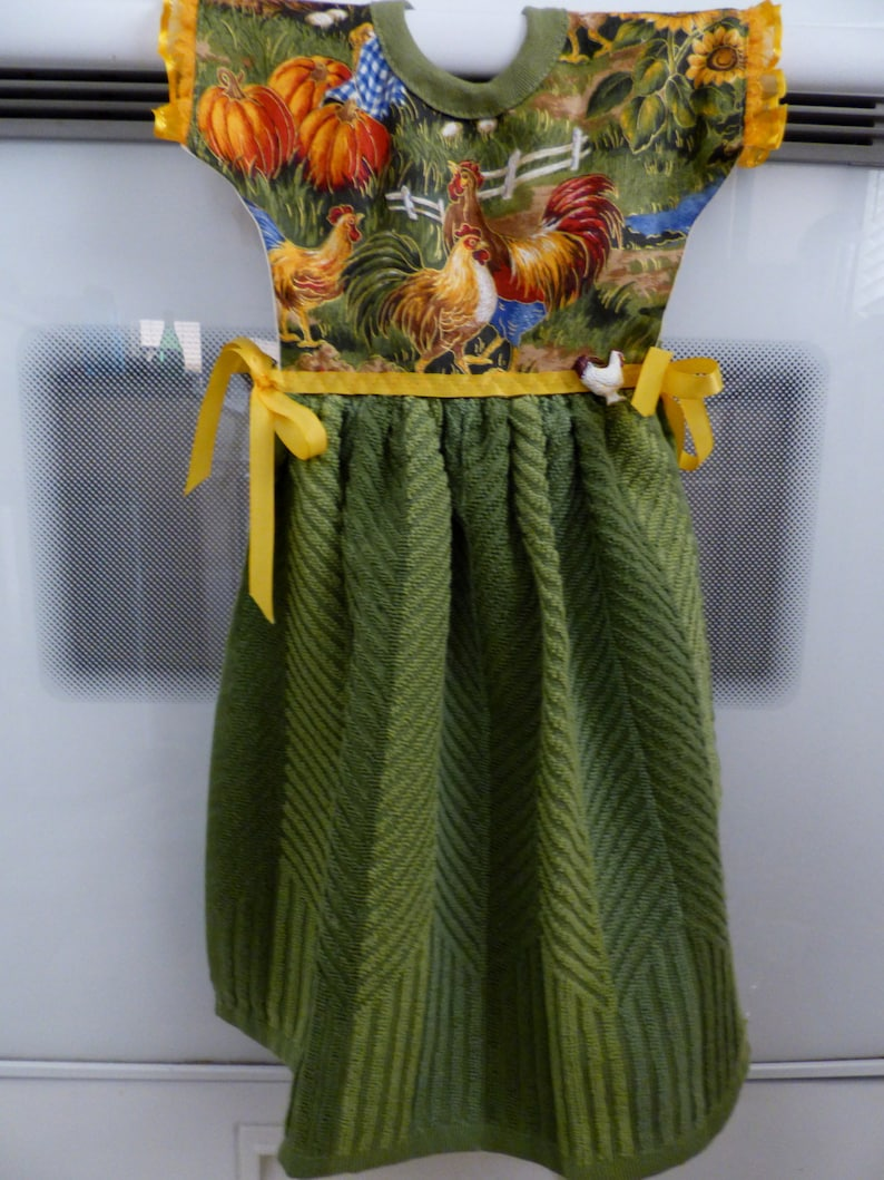 Handmade Hanging Kitchen Towel Dress for Oven/Stove Handle Green Towel With  Rooster Pattern Top
