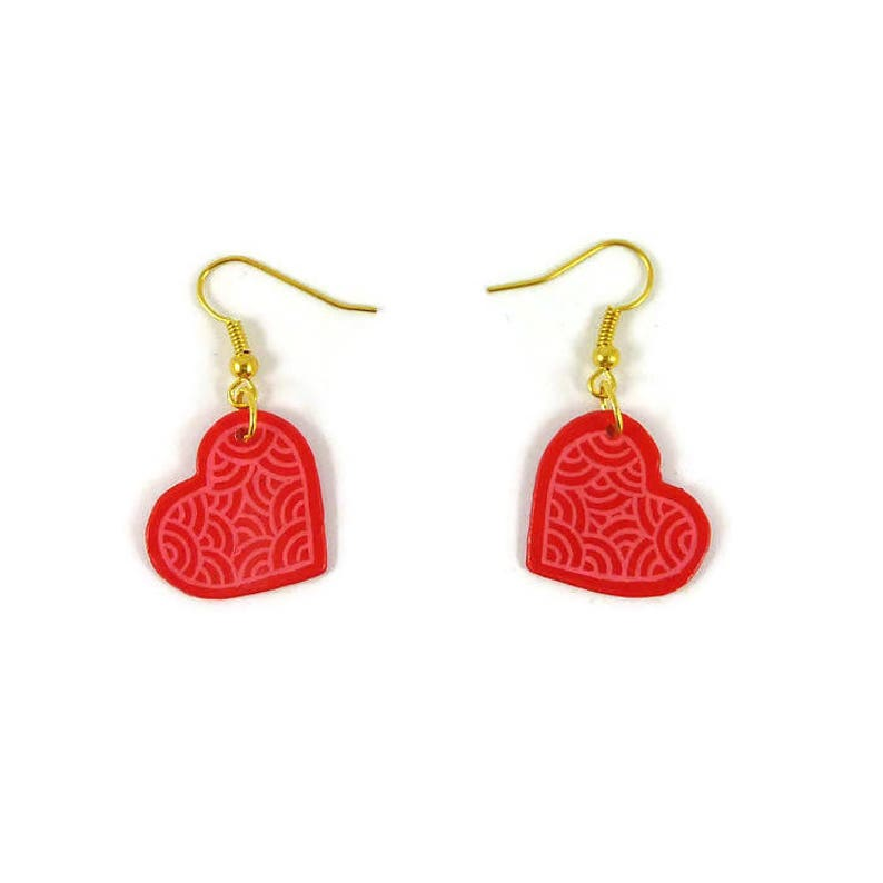 Hot pink hearts dangle earrings with candy pink doodles image 0